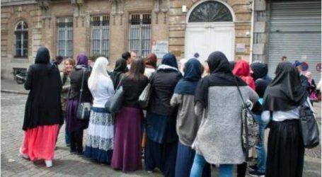 بروكسل تمنع فتيات من دخول الجامعة بسبب التنورة الطويلة