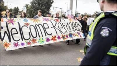مظاهرة مؤيدة وأخرى معارضة لاستقبال لاجئين سوريين في أستراليا