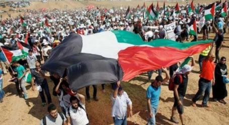 """أكثر من 50 مصابا فلسطينيا في الجمعة الثامنة من """"مسيرات العودة"""" بغزة"""