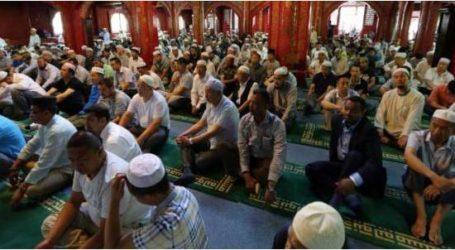 رجل أمن داخل كل بيت مسلم في الصين