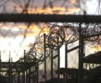 """""""الخارجية"""" الفلسطينية: نتابع ملف وفاة معتقل في سجون الاحتلال"""