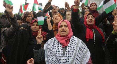 أكثر من مئتي مصاب فلسطيني باعتداء الاحتلال على مسيرات العودة بغزة