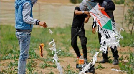 لجنة قانونية تحمل إسرائيل مسؤولية استهداف مطلقي الطائرات الورقية بغزة