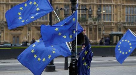 الاتحاد الأوروبي يحذر إسرائيل من عواقب المضي بهدم  الخان الأحمر