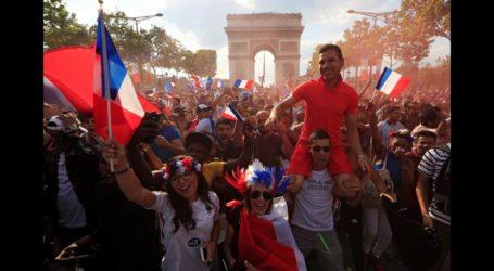 الاحتفالات تجتاح باريس بعد التتويج ومقتل شخصين