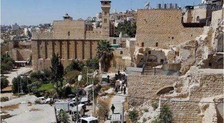 الاحتلال منع الأذان بالمسجد الإبراهيمي 298 مرة