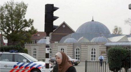 زعيم حزب هولندي متطرف يطالب باغلاق المساجد