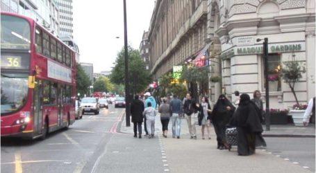 لندن.. متظاهرون يحتجون ضد جونسون بسبب تصريحاته المسيئة للمنقبات