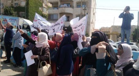 """فلسطينيو الأردن يعيشون  فى حالة القلق على مستقبل الخدمات التي تقدمها """"أونروا"""""""