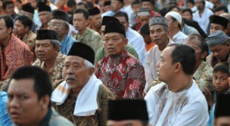 مدينة تفرض على كبار الموظفين الحكوميين اداء صلاة الفجر بالمساجد