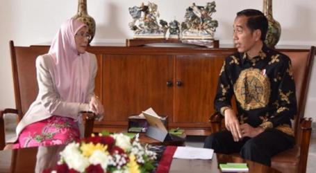 وان عزيزة تلتقي الرئيس الإندونيسي