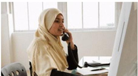 الحكومة الكندية تمنع ارتداء الحجاب في أماكن العمل