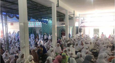 الرئيس جوكووي يزور المدارس الداخلية الإسلامية في جاوة الشرقية