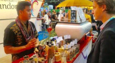 ترويج القهوة الإندونيسية ، تجذب الزوار للمشروبات التقليدية في مدريد