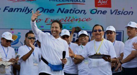 وزيرة المؤسسات الحكومية ريني سومارنو تؤكد أنها محترفة