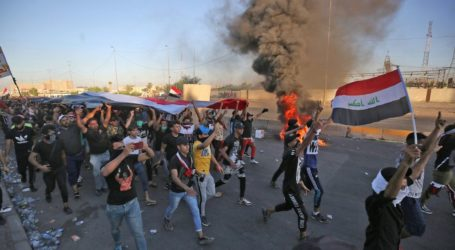 احتجاجات ليلية بعدة مناطق بالعراق عقب خطاب لرئيس الوزراء