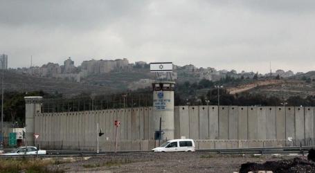 سرايا القدس تنظم عرضًا عسكريًا تضامنًا مع الأسرى بسجون إسرائيل