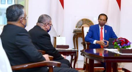 الرئيس جوكووي يستقبل وزير الخارجية الماليزي